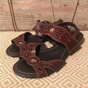 Pikolinos leather sandals embroidered stitching